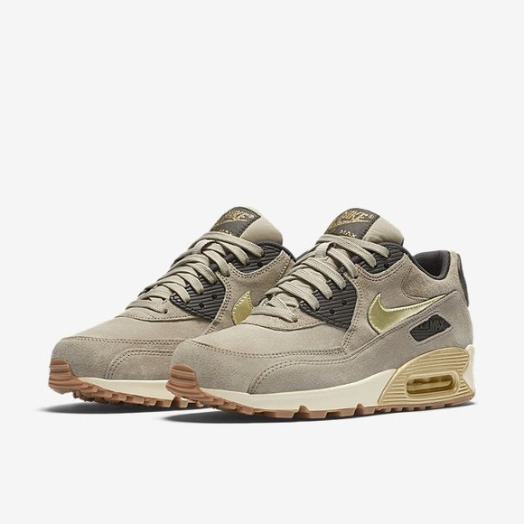 Nike Air Max 90 Premium suede shoes NWT